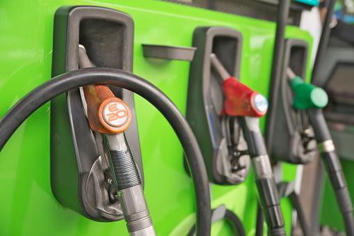 India adelanta en 2 años la mezcla de etanol al 20% en la gasolina